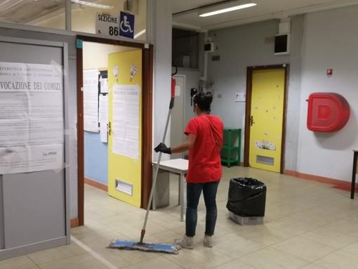 """Caos sanificazioni ai seggi, il Comune ammette: """"Valutiamo se chiedere i danni alla ditta di pulizia"""""""