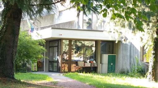 L'ingresso della scuola Romero a Venaria