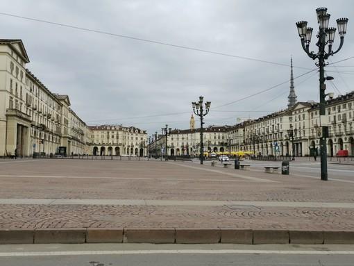L'emergenza coronavirus svuota il centro e le strade di Torino (FOTO)