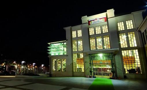 sede illuminata di un teatro