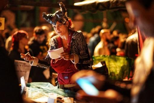 Una parata di artisti in bus: il Torino Fringe Festival torna a invadere a settembre la città