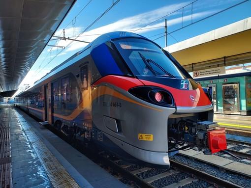 Treni, da domani al via l'orario estivo: due Frecciarossa per la Val Susa e 52 regionali per il mare