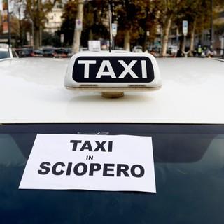Domani sciopero nazionale dei taxisti, a Torino presidio di fronte al Palazzo della Regione