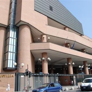 Sfregiò la compagna, la Procura di Torino chiede 12 anni di carcere