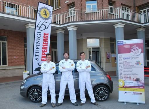Il mito dei meccanici in tuta bianca per la Fiat 500: debutto al Parco del Valentino