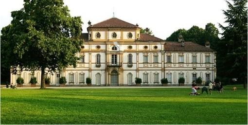 Torino, la vigilanza non apre e i pittori restano chiusi fuori dalla Tesoriera