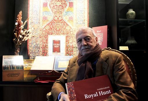 venditore di tappeti iraniano