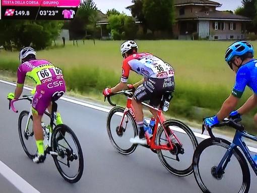 Umberto Marengo e ciclisti in fuga