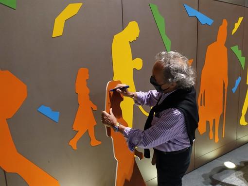 Ugo Nespolo mette la sua firma anche sulla stazione della metro di Porta Nuova [FOTO e VIDEO]