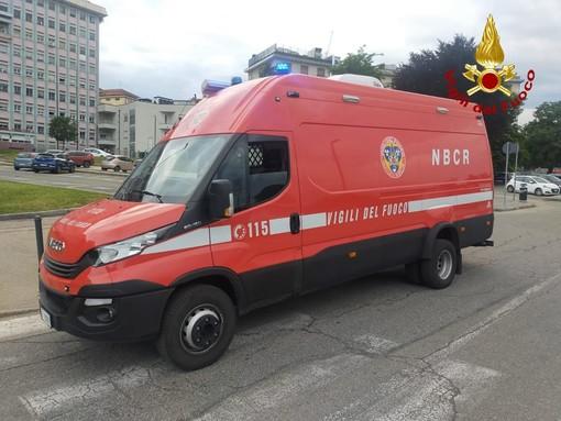 Intervento dei vigili del fuoco in corso Unità d'Italia