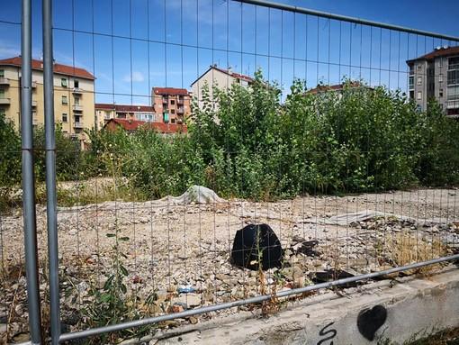 Parella, esposto contro i proprietari del cantiere abbandonato di via Bellardi