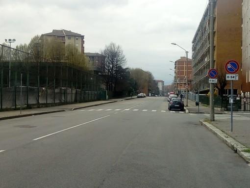 """In via Val della Torre le auto sfrecciano ad alta velocità: """"Inserire dissuasori o passaggi pedonali rialzati"""""""
