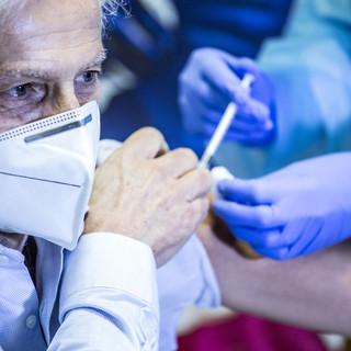 """Vaccini anti Covid, Cirio: """"Già in moto la seconda fase per gli Over 65"""". E si pensa al Valentino per le somministrazioni di massa"""
