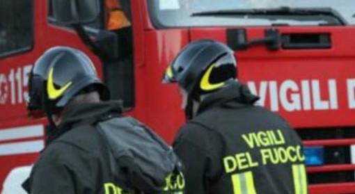 24 famiglie evacuate per un incendio in un condominio a Chivasso