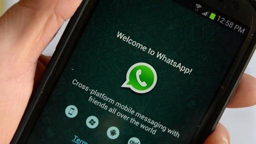 WhatsApp in down: difficoltà ad inviare foto e video