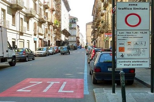 """Nuova Ztl di Torino, giunta Appendino dice sì al project financing: """"È di pubblico interesse"""""""